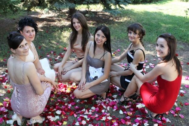 С подругами детства на свадьбе подруги детства!