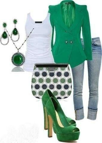 Прикупите туфли и пиджак изумительного изумрудного цвета и будьте самой стильной!