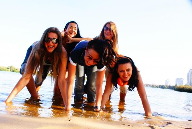 когда мы вместе, мир вокруг улыбается :) и не важно где, в клубе, в сауне, или на любимой Оболонской набережной в Киве!!! главное что мы вместе!!!