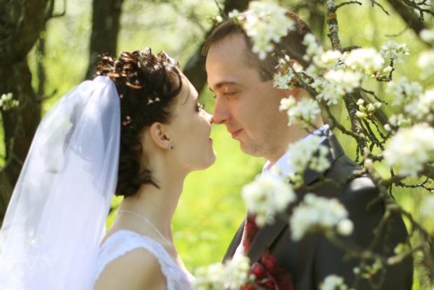 Когда находишь человека, с которым можно говорить молча, находиться вечно, верить беззаветно и радоваться сердцем, понимаешь, что это — Любовь!