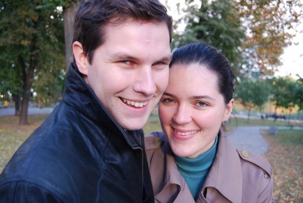 Любовь - это не когда вы улыбаетесь друг другу, а когда вместе улыбаетесь миру!