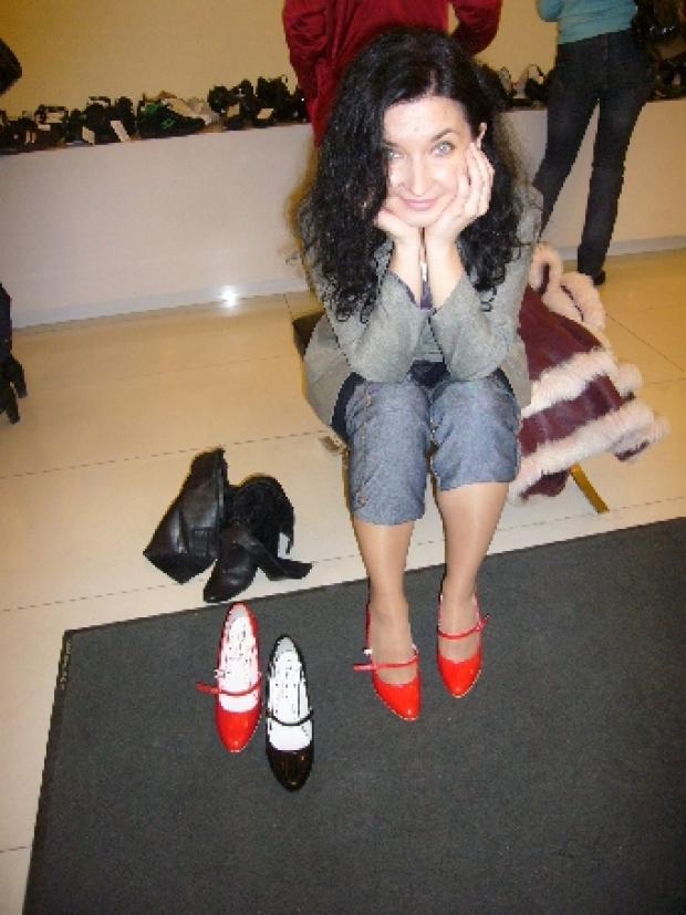 Мне кажется каждая девушка мечтает о красных туфельках... И у каждой из нас свои планы на них! Я всем желаю, чтоб мечты сбывались!