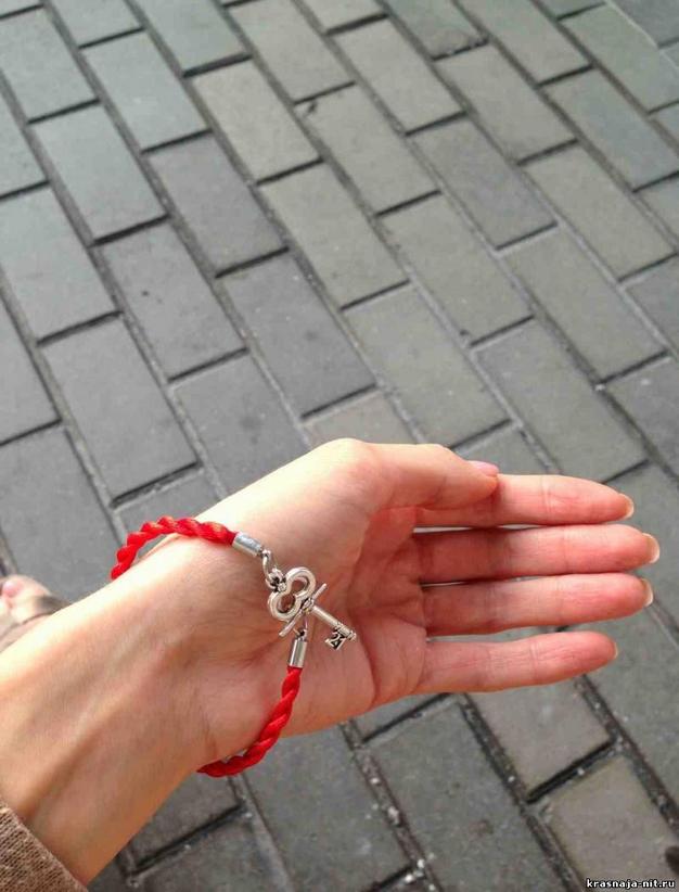 Оригинальная красная нить – модный оберег для молодежи - фото №2