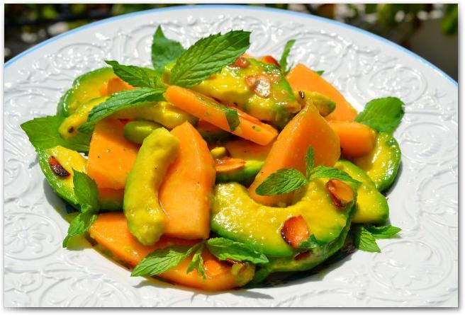 Топ 5 рецептов приготовления салатов из дыни - фото №1