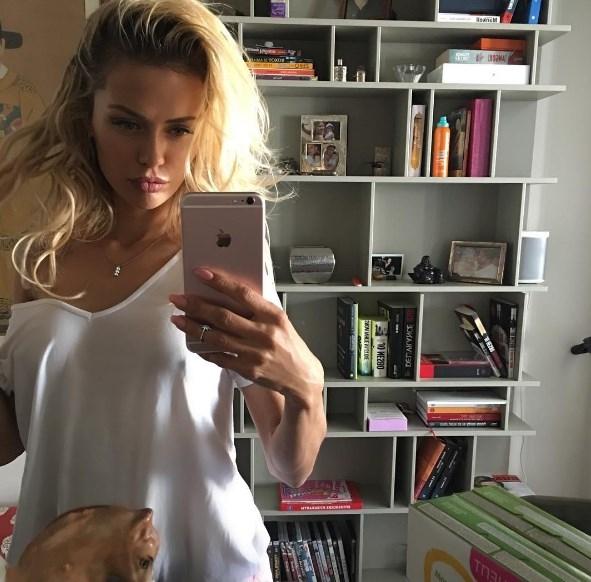 Виктория Боня прокомментировала слухи о расставании с мужем - фото №3