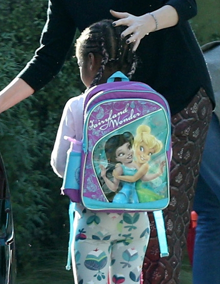 Косы и розовое: Поклонники осудили Шарлиз Терон за шокирующий стиль 4-летнего сына (ФОТО) - фото №2