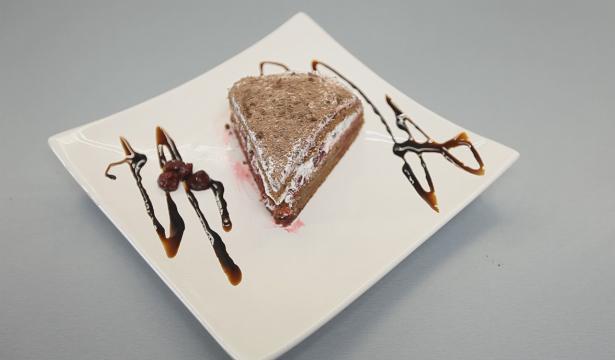 """Торт """"Черный лес"""". Видео-рецепт - фото №11"""