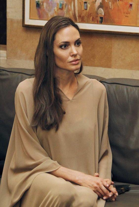Анджелина Джоли решилась на очередную операцию из-за боязни онкологии - фото №1