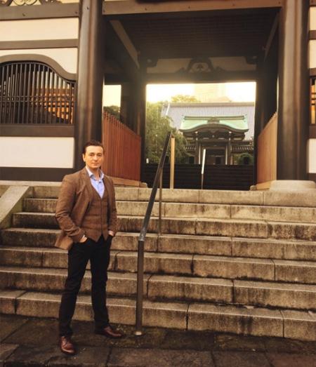 Как отдыхают звезды: Сергей Безруков с супругой и новорожденной дочерью в Токио - фото №2