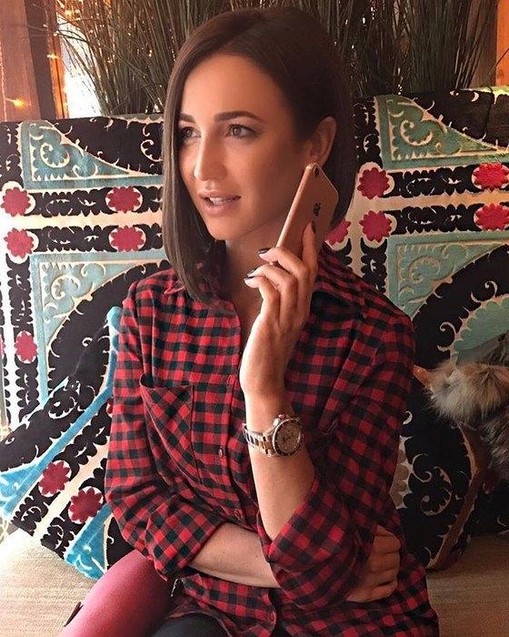 Ольга Бузова вынуждена активно зарабатывать: экс-супруг Тарасов оставил ее ни с чем - фото №1