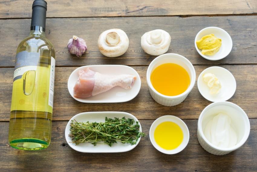 меню на пасху Курица в горчичном соусе с грибами