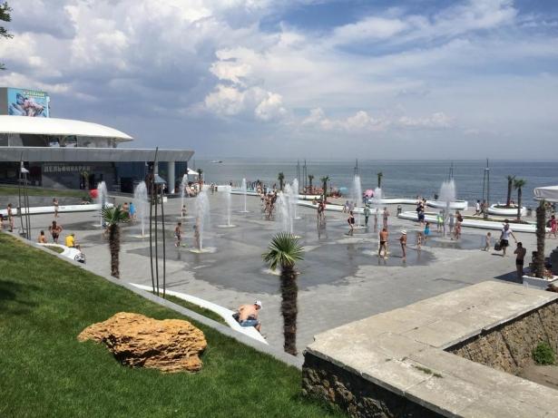 Самые популярные пляжи Одессы: куда пойти, чтобы с комфортом понежиться на солнце - фото №3