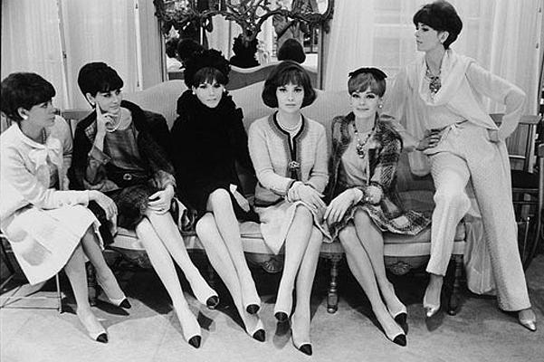 Обувь Коко Шанель: новый дизайн двухцветных лодочек Chanel - фото №1