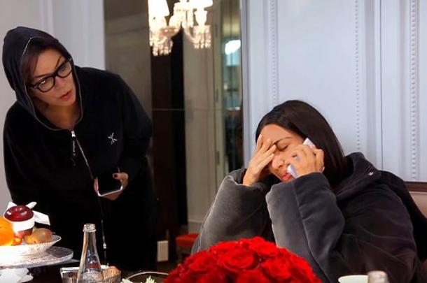 Ким Кардашьян со слезами на глазах расскажет про пережитое во время нападения в Париже (ВИДЕО) - фото №1