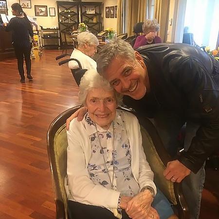 Сюрприз от Джорджа Клуни: личное поздравление актера растрогало 87-летнюю поклонницу (ФОТО) - фото №1
