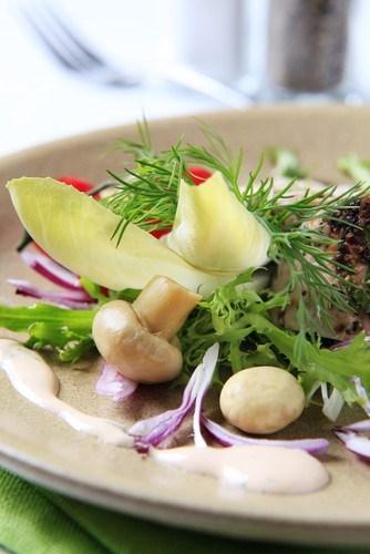 Рецепты блюд на новогодний стол 2014: салаты с сыром - фото №5