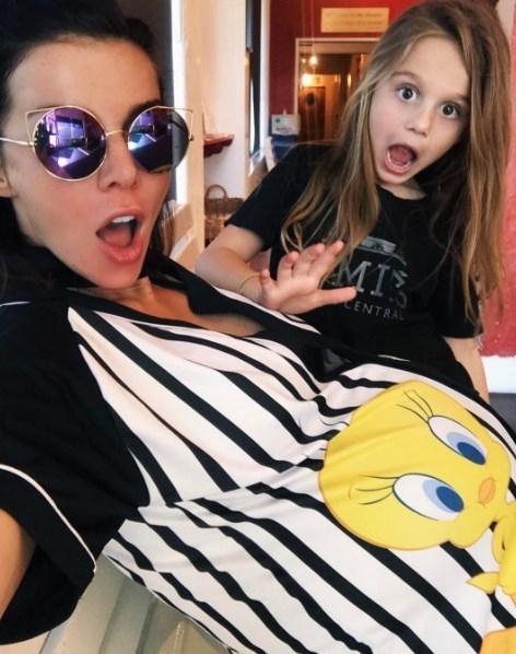 Беременная Анна Седокова показала изменившуюся фигуру в нижнем белье (ФОТО) - фото №2