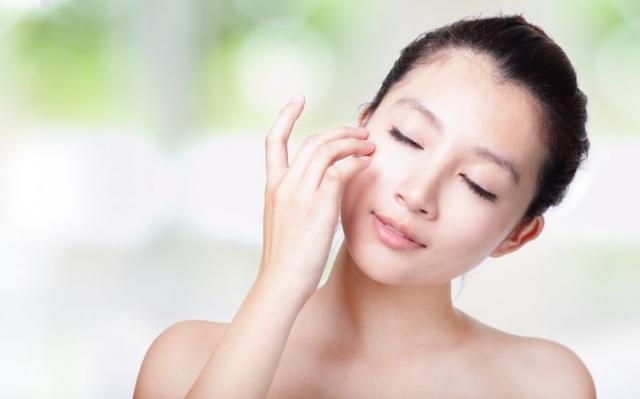 Пошлепай: хлопковый массаж или что нужно знать о правильном шлепании лица - фото №1
