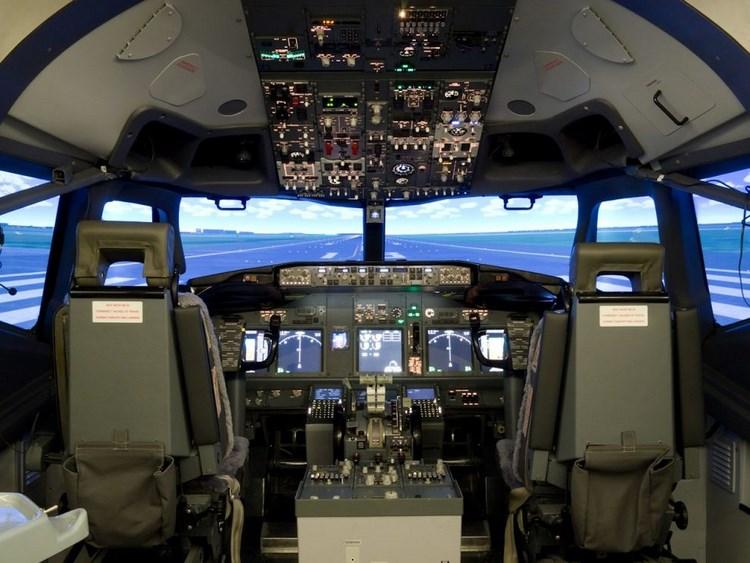 симулятор кабины пилота