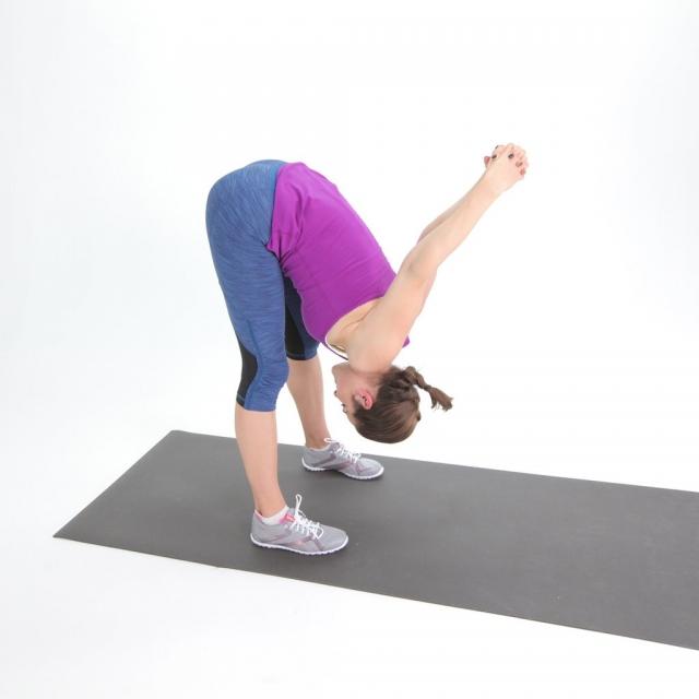 6 лучших упражнений на растяжку для тех, кто работает сидя - фото №1