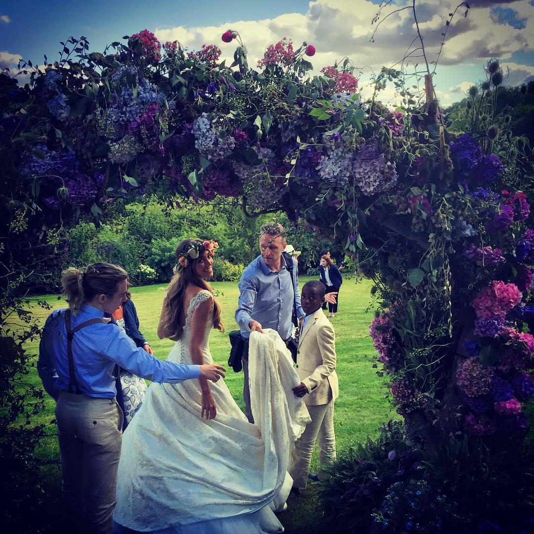 Самая голливудская свадьба года: бывший муж Мадонны женился третий раз - фото №4