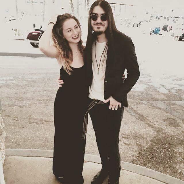 Лиза Варум с парнем