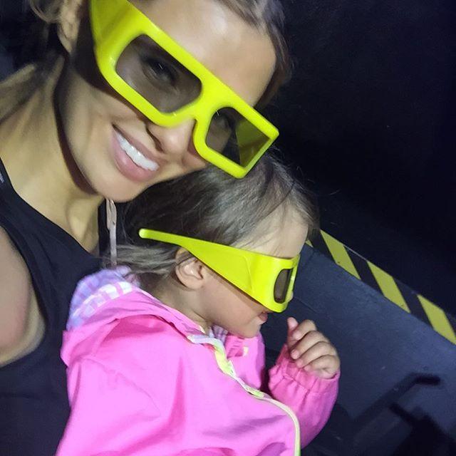 Виктория Боня отдыхает в Сен Тропе с дочерью