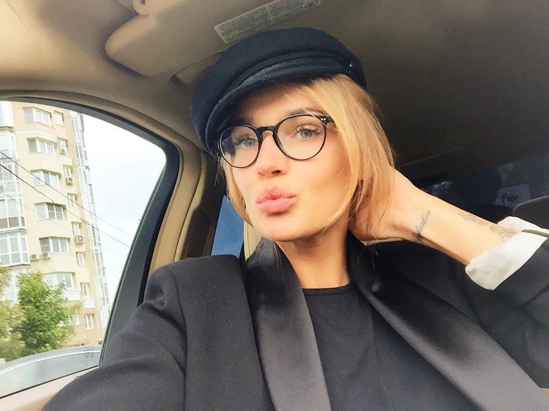 Алена Водонаева с каре: за или против нарощенных волос. Голосуем! - фото №2
