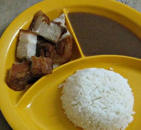 Как выглядит школьный обед в разных странах мира? - фото №13