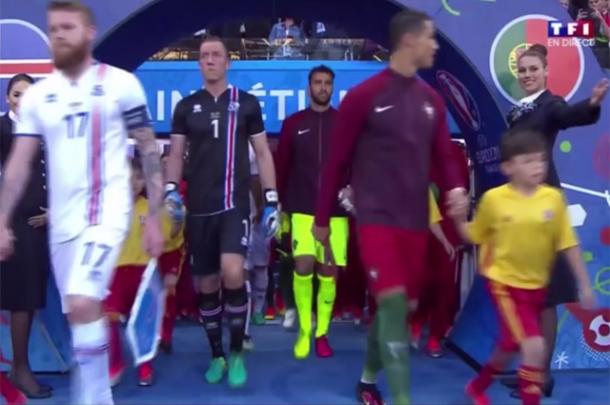 Любовь с первого взгляда: Криштиану Роналду нашел новую пассию на трибунах Евро 2016 (ФОТО) - фото №1
