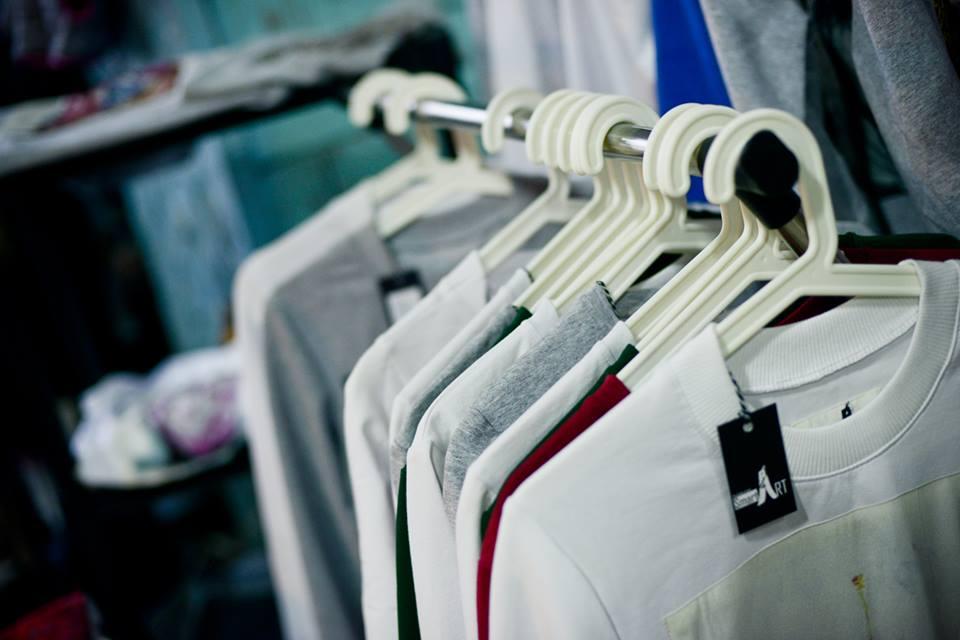 Где купить настоящую брендовую одежду дешевле: 5 лайфхаков - фото №5