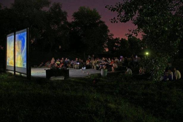 Летние кинотеатры в Киеве: где можно посмотреть кино под открытым небом - фото №5