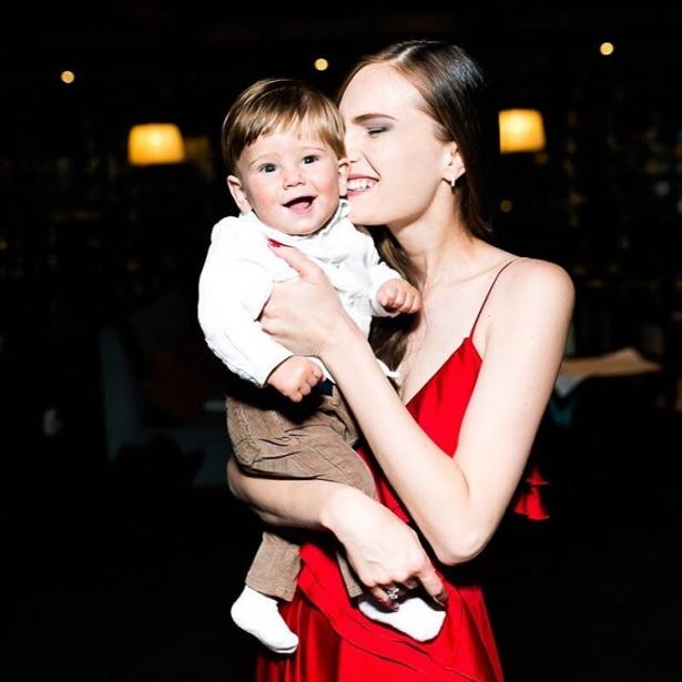 костромичева с сыном фото