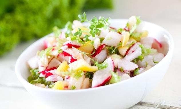 Салат из молодого редиса: рецепты приготовления - фото №1