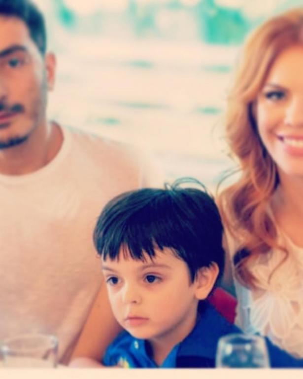 сточкая с сыном и мужем