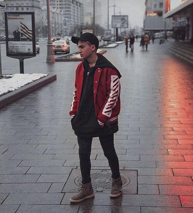 Сын Яны Рудковской подался в шоу-бизнес: 14-летний спортсмен записал песню с экс-солистом MBAND - фото №1