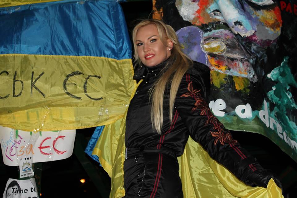 Знаменитости, которые поддержали Евромайдан 2013 - фото №15