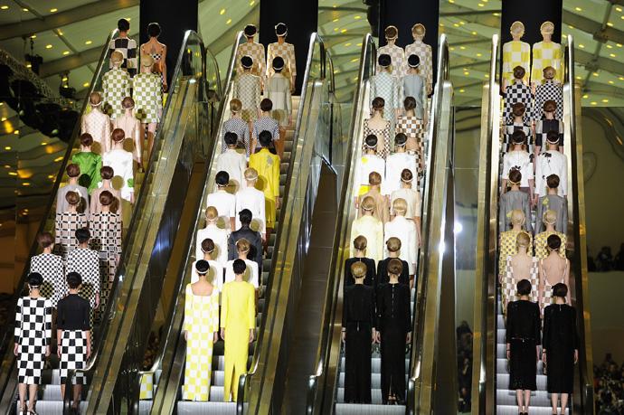 Неделя моды в Париже: шахматная доска от Louis Vuitton - фото №2