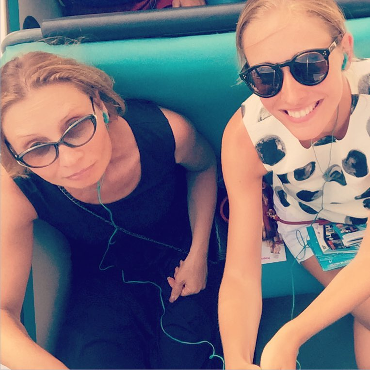 Как отдыхают звезды: Катя Осадчая проводит отпуск с повзрослевшим сыном в Испании - фото №2