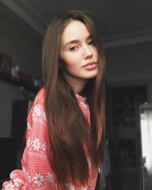 Дмитрий Тарасов приобщил новую избранницу к скандальному флешмобу: соцсети негодуют (ВИДЕО) - фото №1
