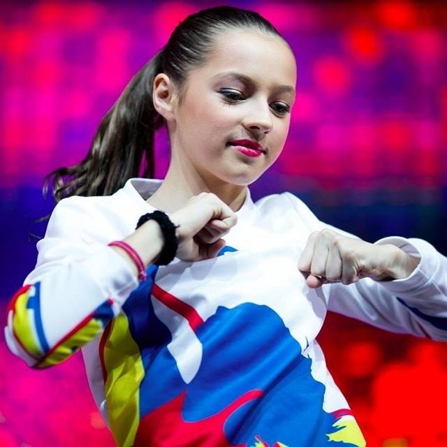 Дочь-блогер Анастасии Волочковой провела экскурсию по особняку балерины (ВИДЕО) - фото №1