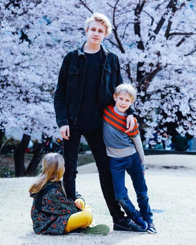 Наталья Водянова с детьми путешествует по Японии (ФОТО) - фото №2