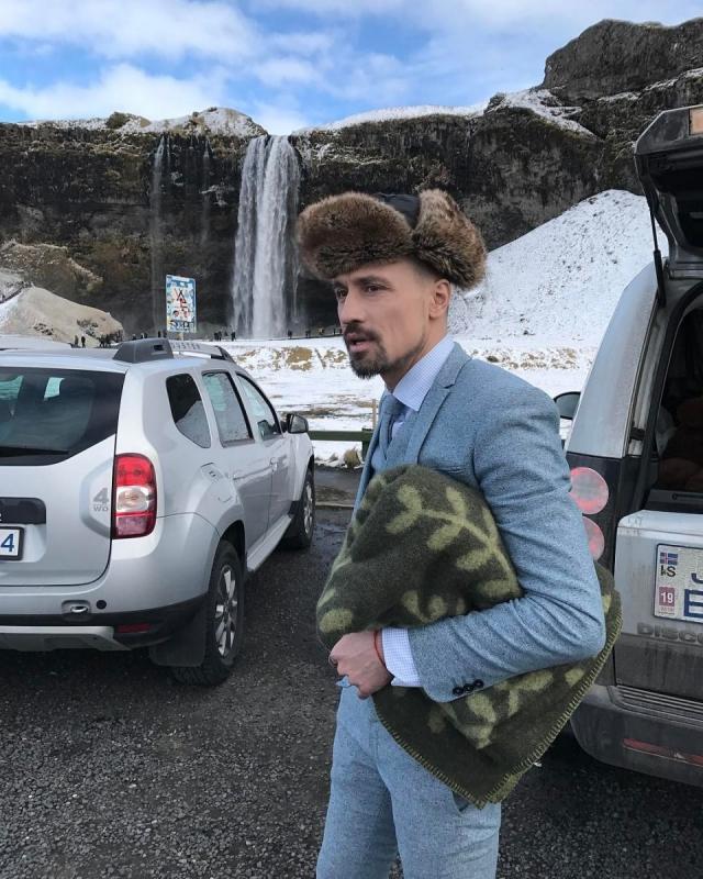 Как отдыхают звезды: лысый Дима Билан в ушанке удивил своим образом в Исландии (ФОТО) - фото №1