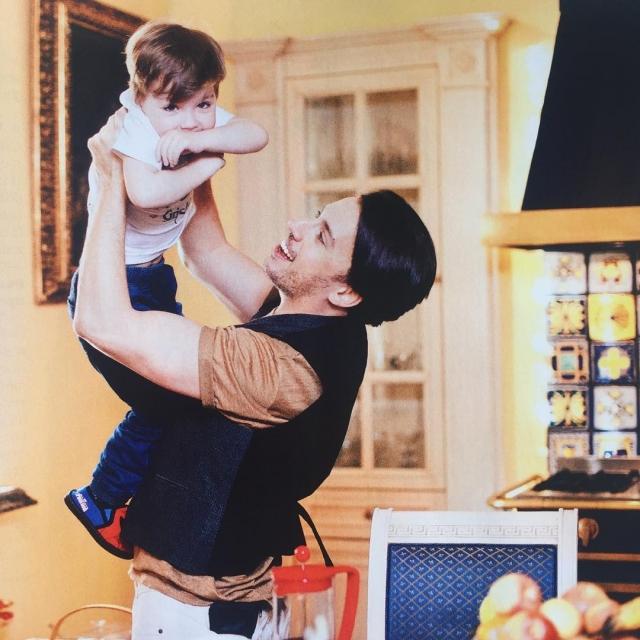 Максим Галкин показал подросшего сына в трогательной фотосессии и рассказал, как его изменило отцовство - фото №1