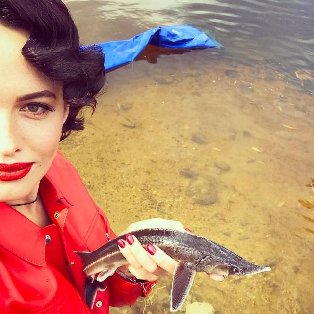 Даша Астафьева наполнила Днепр царской рыбой за 25 000 гривен (ФОТО) - фото №2