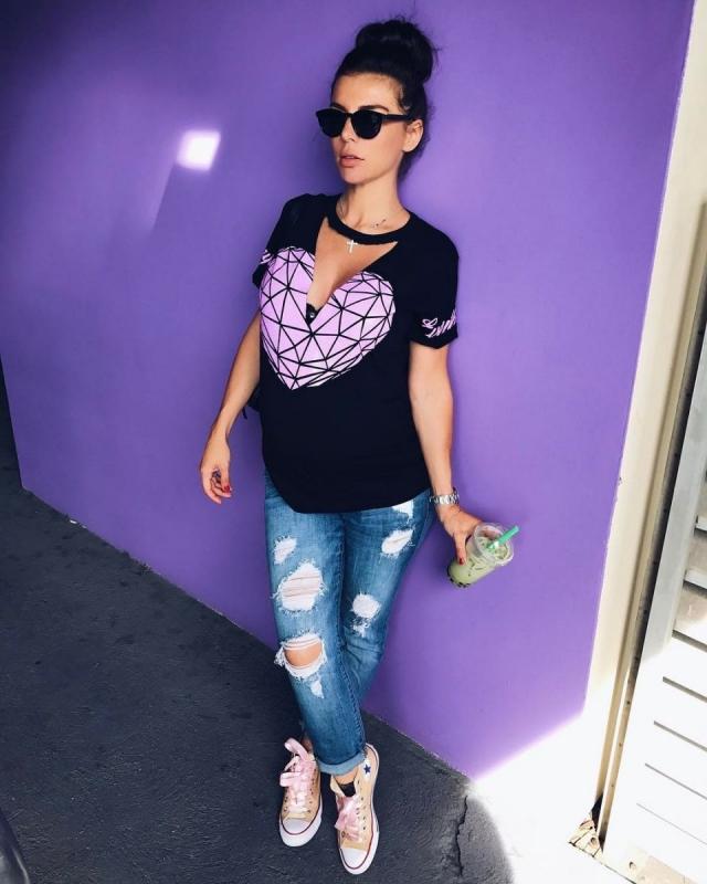 Беременная Анна Седокова сравнила себя с сосиской (ФОТО) - фото №1