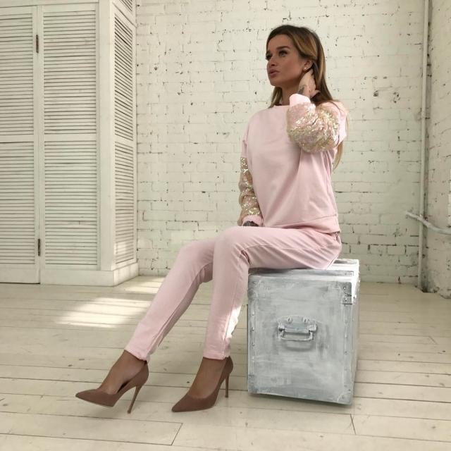 Ксения Бородина пообещала поклонникам, что не начнет петь, как Ольга Бузова - фото №2