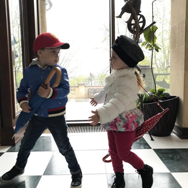 Максим Галкин умилил соцсети фото подросших 3-летних двойняшек Гарри и Лизы (ФОТО) - фото №2