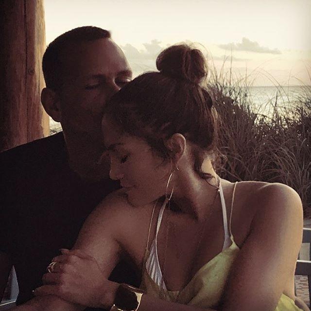 """Бывшая Алекса Родригеса рассказала о его неверности: """"В постели с Джей Ло он представляет меня"""" - фото №1"""