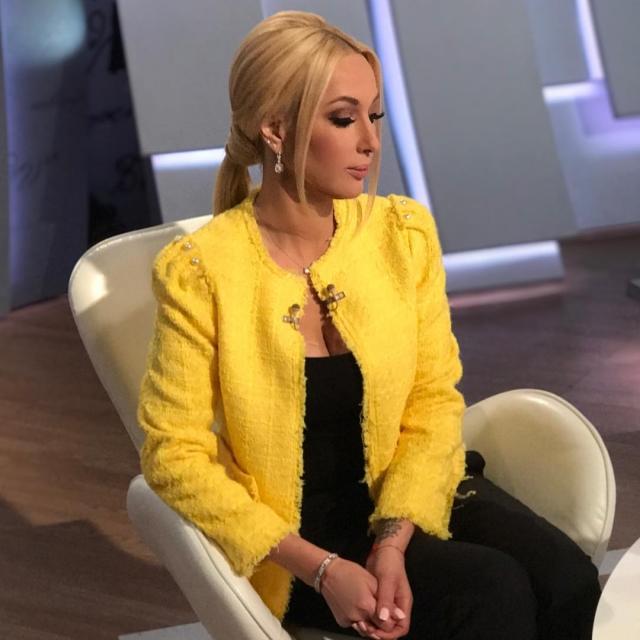 Лера Кудрявцева опубликовала пикантное ФОТО в белье: телеведущая ностальгирует по былой фигуре - фото №2